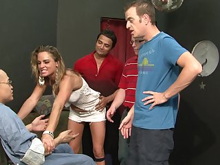 Blonde Amanda Blow shows her love for snatch fucking