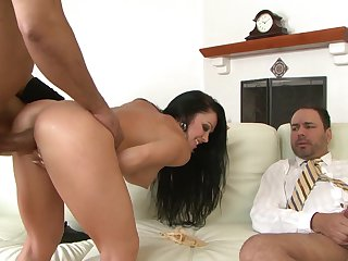 Brunette enjoys Sledge Hammer's cock in her mouth in steamy oral action