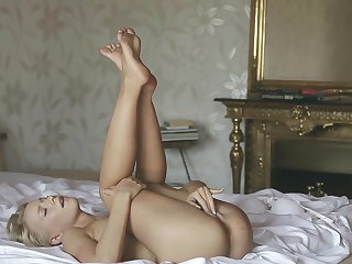 Blonde enjoys another solo sex session