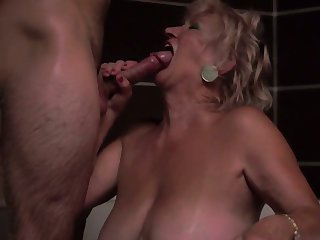 Blonde takes ram rod up her hole