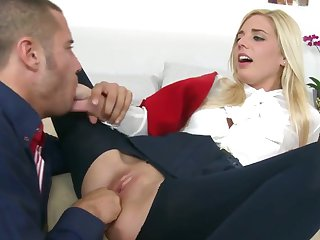 Blonde Carmen Monet has a great time blowing Danny Mountain's meat pole