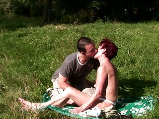 Redhead is in the mood for cock sucking