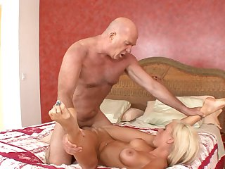 Teen Kaley Hilton is happy with sticky nectar on her nice face