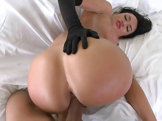 Franceska Jaimes gets rammed in long black gloves