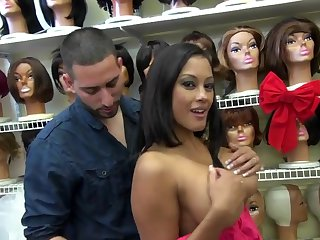 Maxine X flashes her big boobs at a store