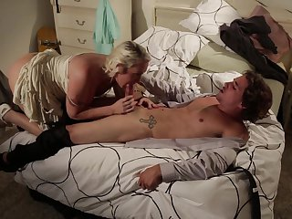 Tyler Nixon exlodes after Blonde pornstar Alana Evans with giant melons gives magic mouth job