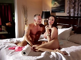 Marcus London attacks perfect bodied Ariella Ferrera'S bush with his love torpedo
